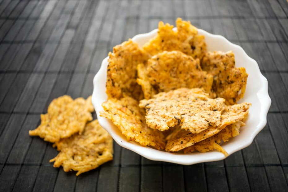 A-Beneficial-Guide-About-The-Low-Carb-Crackers-Or-Chips
